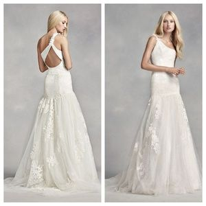Vera Wang One-Shoulder Lace Wedding Dress